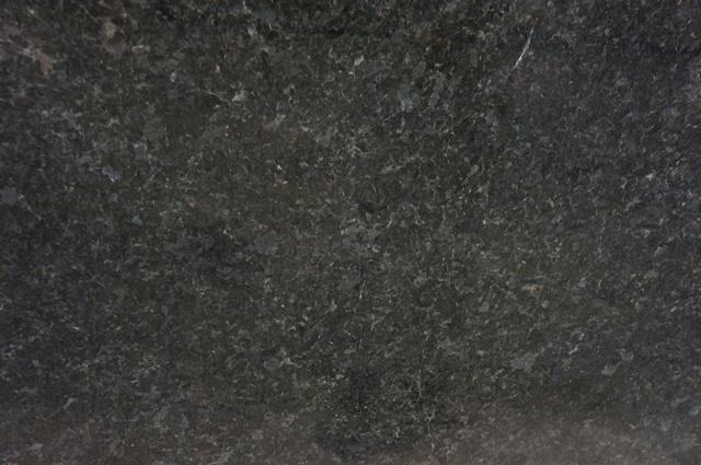 ANGOLA BLACK 3CM POL (SILVER FLAKES)